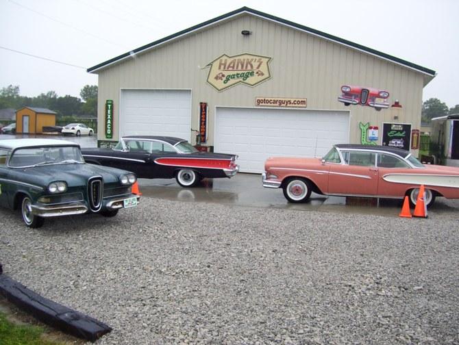 Car Guys Hanks Garage - Show car garage