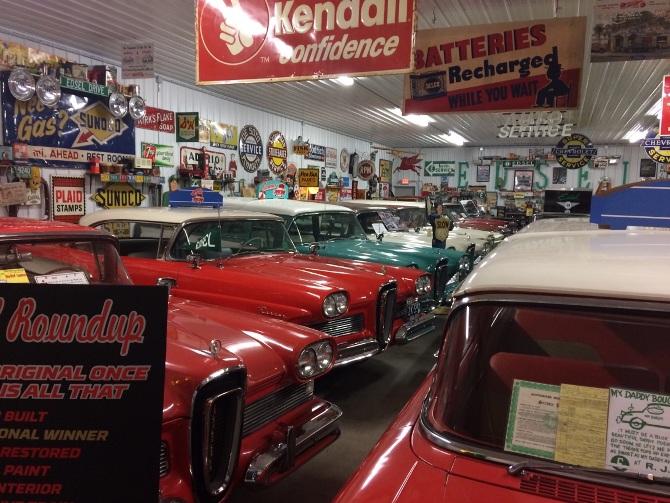 Car Guys Hanks Garage - Mac daddy's car show